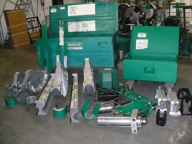 "GREENLEE 881CT 2 1/2""-4"" EMT, IMC & RIDGID CONDUIT BENDER W/TABLE & PUMP"
