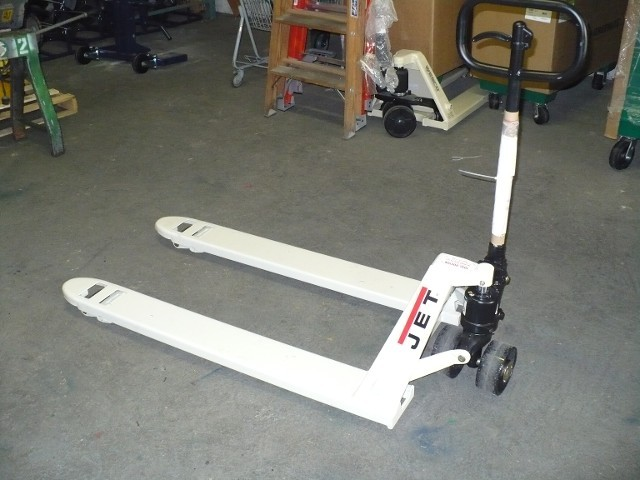 "JET PALLET JACKS 27 1/2"" WIDE OR 20 1/2"" WIDE BOTH SIZES HAVE 48"" FORKS AND ARE 5000LB RATED"