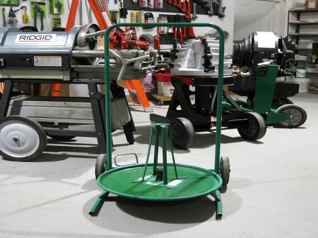 GREENLEE 37202 ARMORED COILED CABLE DISPENSER/TRANSPORTER